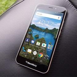 Retour de Blackberry: le smartphone Aurora est réservé à l'Indonésie
