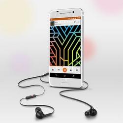 HTC One A9 est bien un clone de l'iPhone 6 � premi�re vue, mais pourrait �tre bien plus