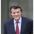 Jean Louis Borloo espère limiter l'utilisation du mobile par les enfants