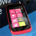 Le Nokia Lumia 610 voit la vie en rose