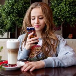 Logiciels espions pour smartphone, comment en parler à ses enfants ?
