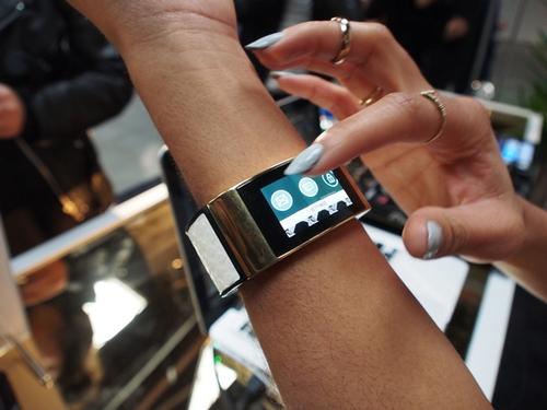 MICA : la montre connectée de luxe signée Intel
